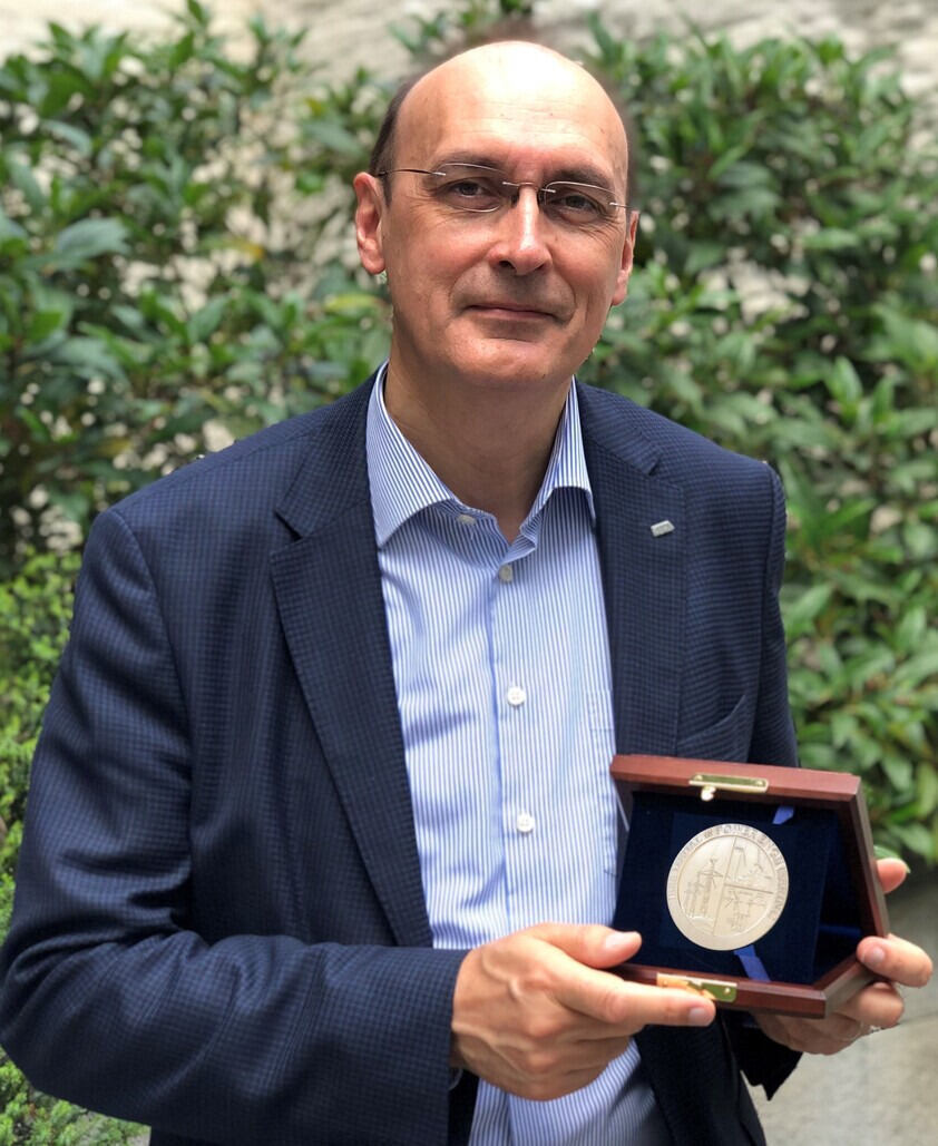 Prof. De Docker Power Medal